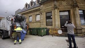 El bebé abandonado en un contenedor en San Sebastián se encuentra en «perfecto estado»