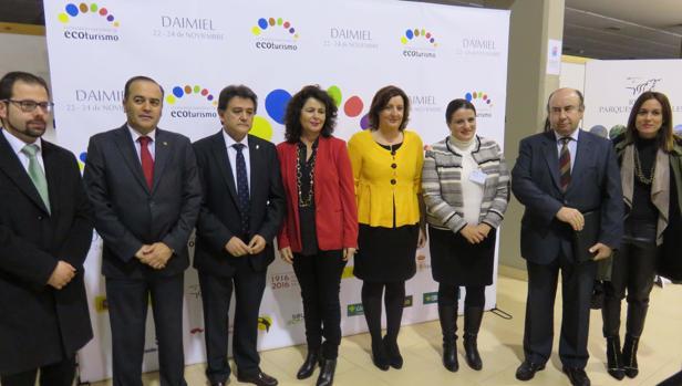 Las autoridades durante la inauguración del congreso que se celebra en Daimiel