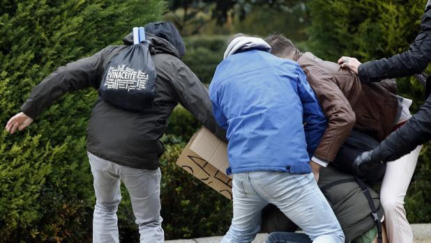 Varios individuos golpean al «sin techo» Lagarder