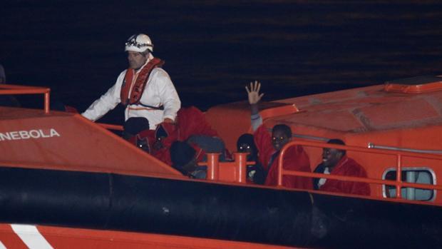 Rescatados en Gibraltar 31 inmigrantes a bordo de tres pateras