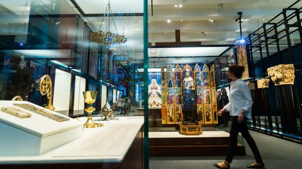 La muestra exhibe piezas de todo tipo relacionadas con la época medieval