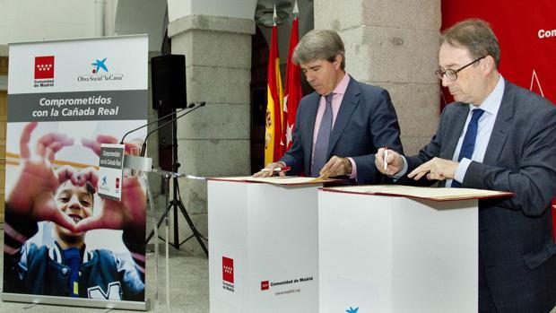 ´Angel Garrido y Marc Simon en la firma de la renovación del convenio