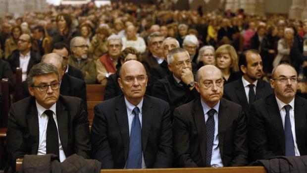 Concejales de Valencia en la misa oficiada en la Catedral este miércoles