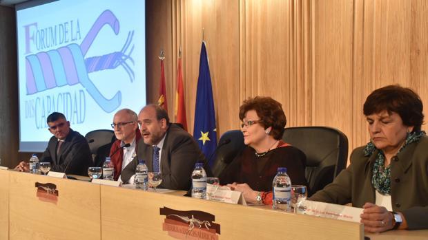 El vicepresidente regional durante su participación en las jornadas sobre salud bucodental