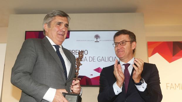 Feijóo, durante la entrega del galardón de la Empresa Familiar a Javier González-Babé