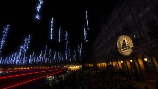 Las luces de Navidad se encenderán el jueves con un espectáculo sobre el IV centenario de Plaza Mayor