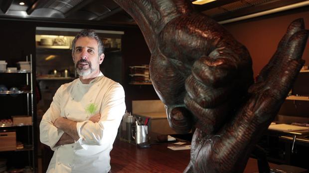 El chef Pepe Solla, al frente del restaurante Casa Solla, en Poio, un Estrella Michelin