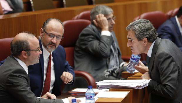 Sanz-Vitorio conserva con los procuradores de Ciudadanos