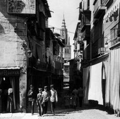 En esta novela, Galdós dio un protagonismo singular a la ciudad de Toledo y sus gentes. En la imagen, calle del Comercio a principios del siglo XX (Colección Antonio Pareja)