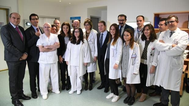 El presidente Page, en su visita al hospital de Ciudad Real