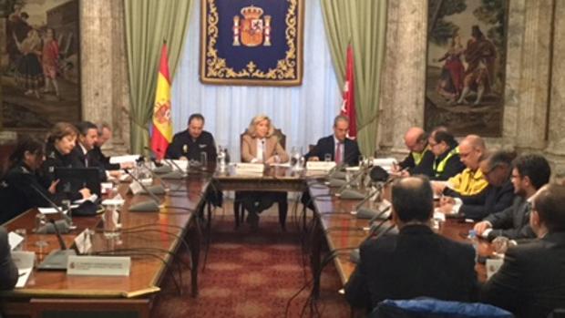 La delegada del Gobierno preside la reunión de coordinación ayer