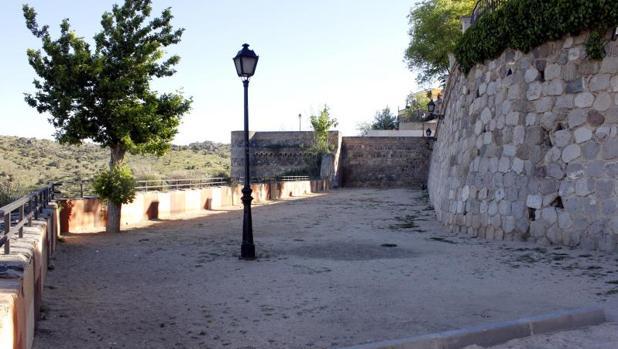 En esta zona junto al Alcázar se situará una de las nuevas zonas de esparcimiento para perros