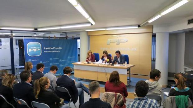 Dirigentes autonómicos y provinciales del PP en Alicante