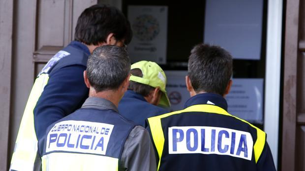 Llegada del presunto autor de la muerte de la peregrina Denise Pikka a los juzgados de Astorga