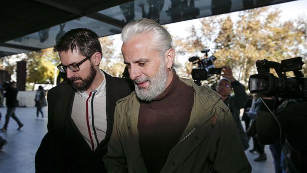 Marcos Bernavent, tras declarar hoy en la Ciudad de la Justicia de Valencia