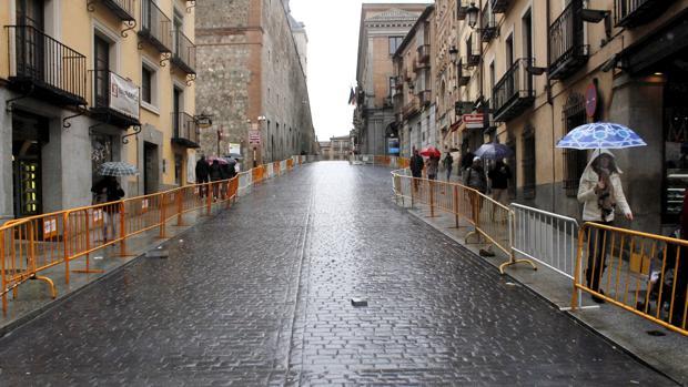 Cuesta de Carlos V, tras los trabajos de sustitución del pavimento