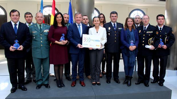 Imagen de los premiados por su labor en la lucha contra la violencia de género