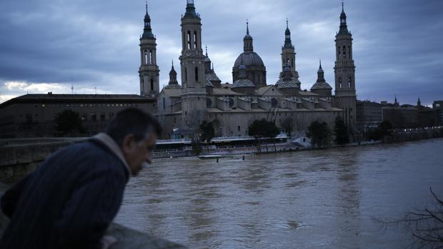 El Ebro, a su paso por Zaragoza capital