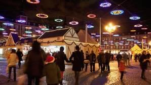 De compras por el mercado navideño de la Plaza Mayor