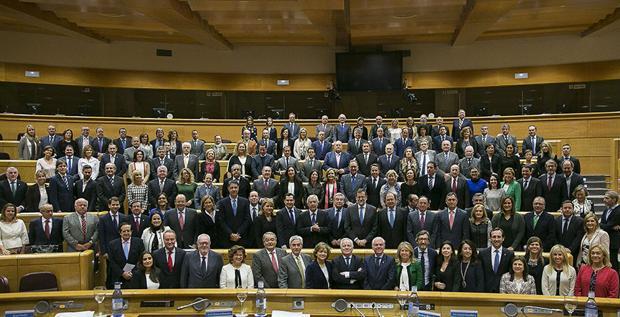 Rajoy, con todos los senadores del PP, el martes