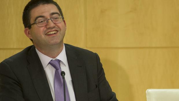 El edil de Economía y Hacienda, Carlos Sánchez Mato, durante una rueda de prensa en Cibeles