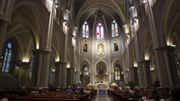 Interior de la Basílica de la Virgen de la Milagrosa
