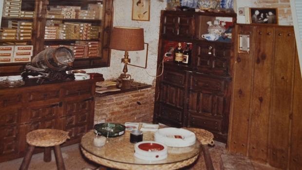 Fotografía de la antigua cueva donde se realizaban reuniones de fumadores de puros