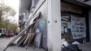 «Reokupan» durante unas horas el Banc Expropiat de Gràcia