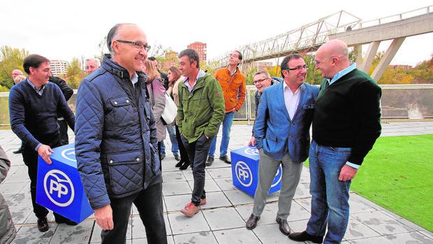 Medrano y Carnero, con alcaldes y concejales del PP de Valladolid