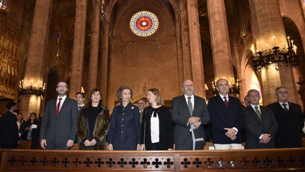 La reina Sofía este domingo en la Catedral de Palma acompañada por varias autoridades autonómicas baleares durante la clausura del Año Jubilar que conmemora el 700 aniversario de la muerte de Ramón Llull