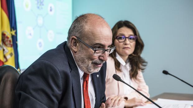 Imagen de archivo del conseller Alcaraz y la vicepresidenta Oltra