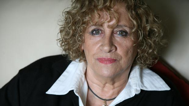 La autora leonesa Elena Santiago