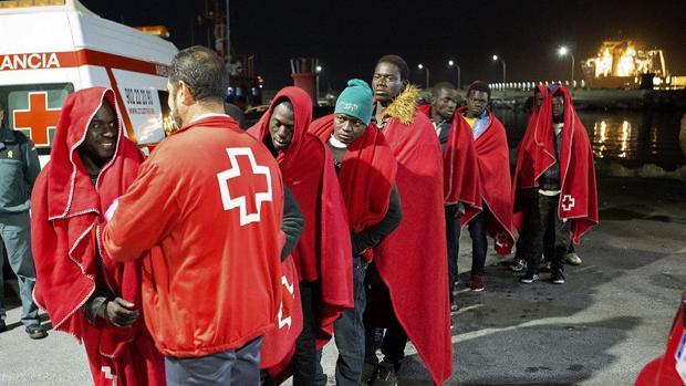 Inmigrantes llegados a Motril, en una imagen de archivo