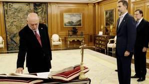 El nuevo fiscal general promete su cargo ante el Rey