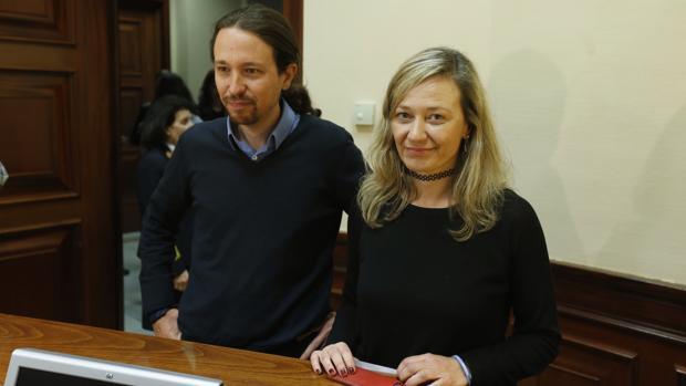 Victoria Rosell, en una imagen de archivo, junto a Pablo Iglesias
