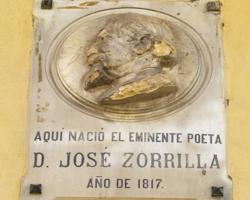 Placa en honor al autor en la casa de Zorrilla en Valladolid