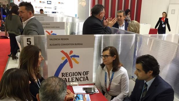 Reunión de trabajo de la delegación alicantina en la feria IBTM World de Barcelona