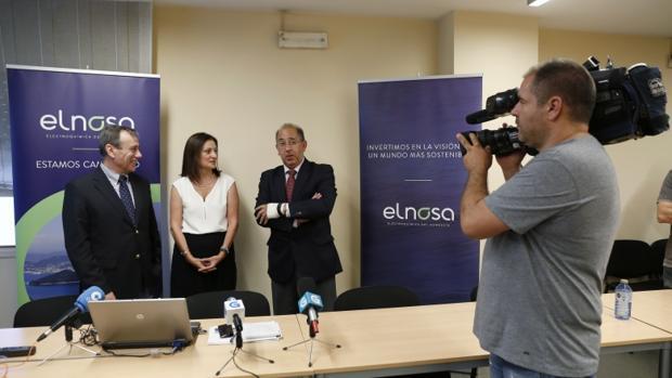 Responsables de Elnosa, en una imagen de archivo