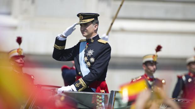 El Rey, en el desfile de su proclamación