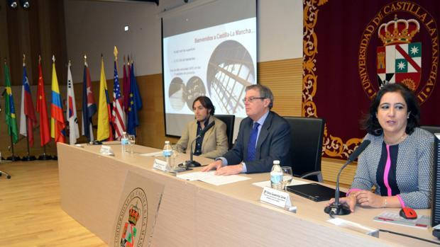 El rector durante la inauguración del Día del Estudiante Internacional en Toledo