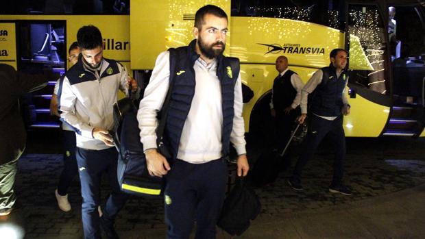 Jugadores del Villareal a su llegada al hotel en Toledo