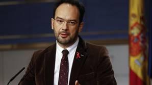 El PSOE entra en la negociación sobre el techo de gasto con el Gobierno