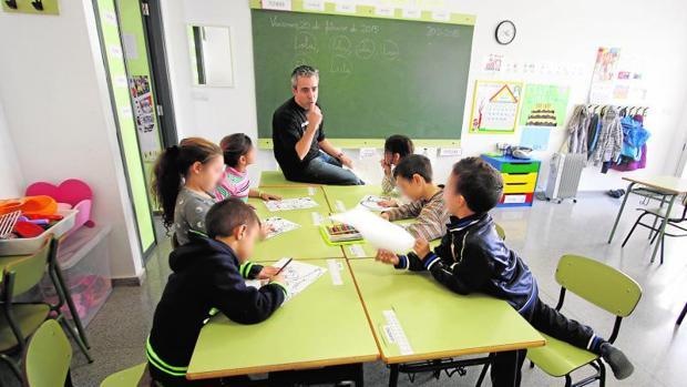 Alumnos de Primaria en un colegio alicantino