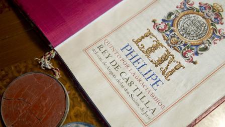 Libro fundacional de Monte con Piedad y el sello real