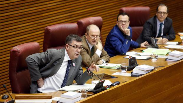 Enric Morera, en la Mesa de las Cortes Valencianas, en una imagen de archivo