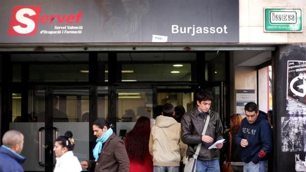 La comunidad valenciana encabeza el descenso del paro y la for Oficina de desempleo malaga