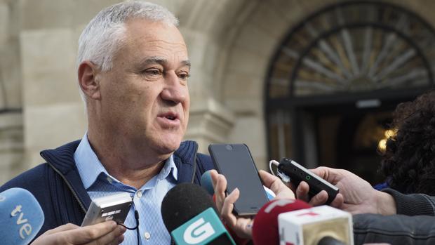 Darío Campos no descarta que el alcalde de Becerreá vuelva al PSOE