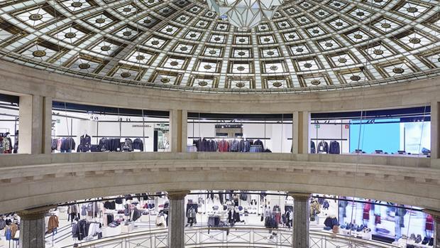 Zara abre una macrotienda de metros cuadrados en el - Zara en cadiz ...