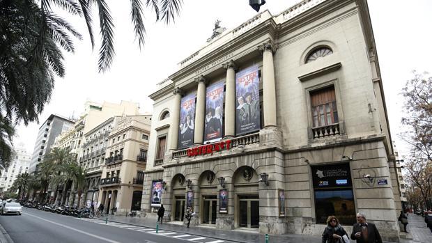 El teatro principal de valencia programa una obra en for Teatro principal valencia