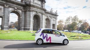 Uno de los vehículos que pondrá en circulación emov, en la Puerta de Alcalá